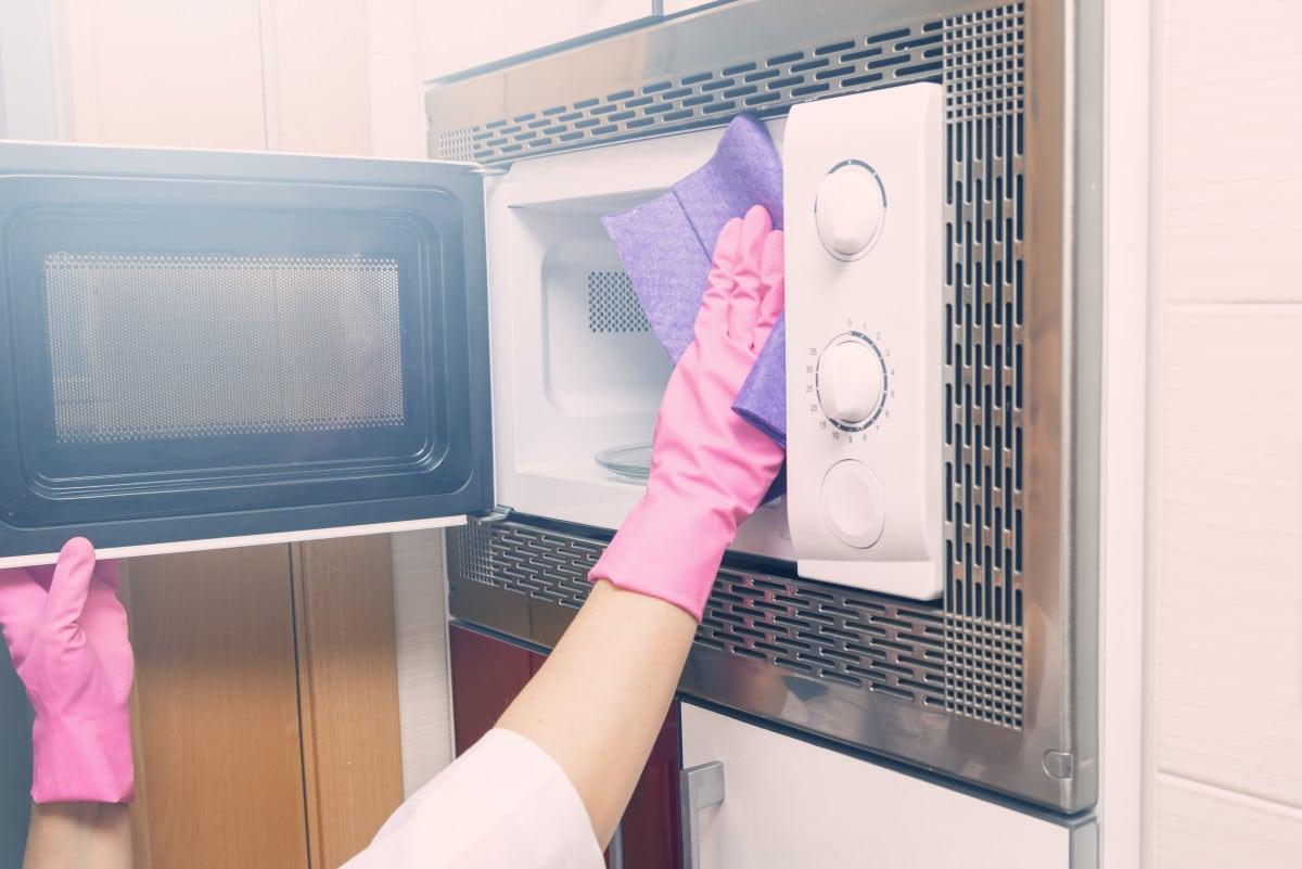 Comment nettoyer les appareils électroménagers?
